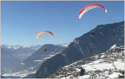 Live Switzerland to the max! Tandem paragliding over amazing Verbier, incl video & pictures of your flight, with Fly Verbier: CHF 138 instead of 230. Valid summer & winter Photo