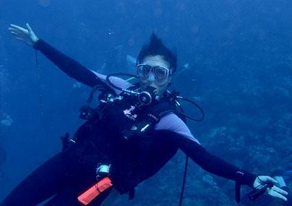 Scuba Diving Courses in ENG & FR with Atlantis Dive (in Lake Geneva or Heated Pool)   2-hr Intro Class: CHF 100 CHF 49  Open Water Diver Course: CHF 850 CHF 399   No Previous Diving Experience Necessary  Photo