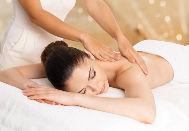 Recently Opened Pampering 1h Massage at Pause Urbaine Salon (Geneva Center)  Choose Relaxing Oil Massage or Lymphatic Drainage Massage  Photo