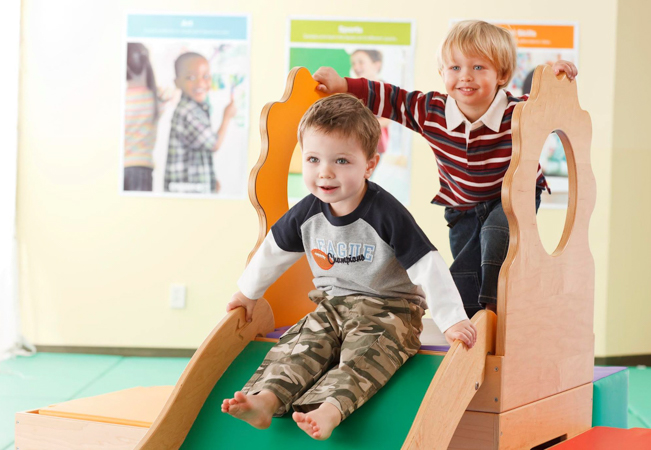 """For Age 2 Months to 4 Years  4 x """"Play & Learn"""" Classes at GYMBOREE (in English)  Incl free access to Gymboree PlayGym area  Photo"""