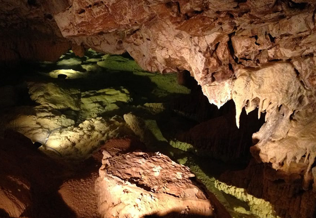 Recommended by 100% of BuyClubbers  2 Entries to the Vallorbe Caves (Grottes de Vallorbe): Switzerland's Largest Cave Complex, 1h20 from Geneva & 40 min from LausanneFor all ages & physical-ability levels  Photo