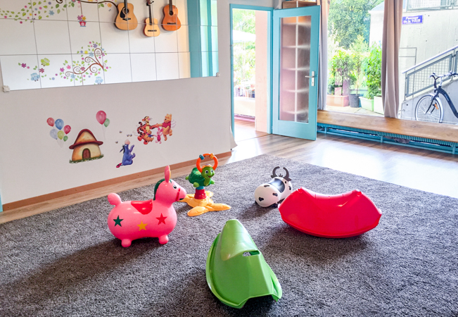 For Ages 0-7: Music & Movement Classes at Wiggly Woo