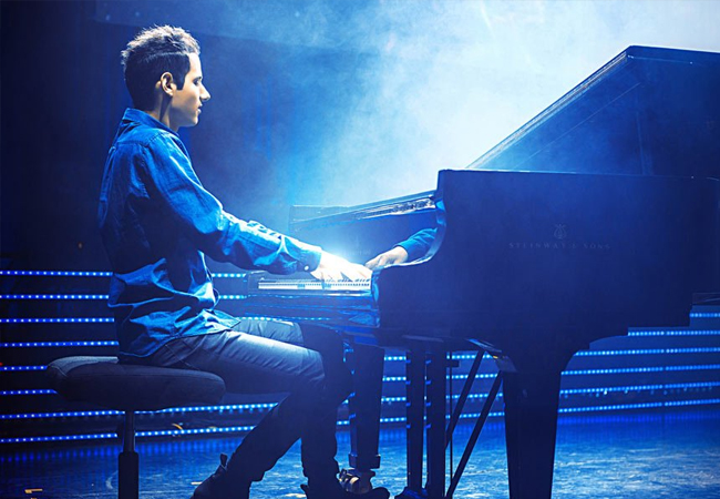 Piano-Virtuoso Web Sensation (150 Million Web Views) & Guinness Record Holder Peter Bence Performing Hits by Queen, Sia, Michael Jackson, Justin Timberlake & MoreFeb 25 @ Théâtre du Léman