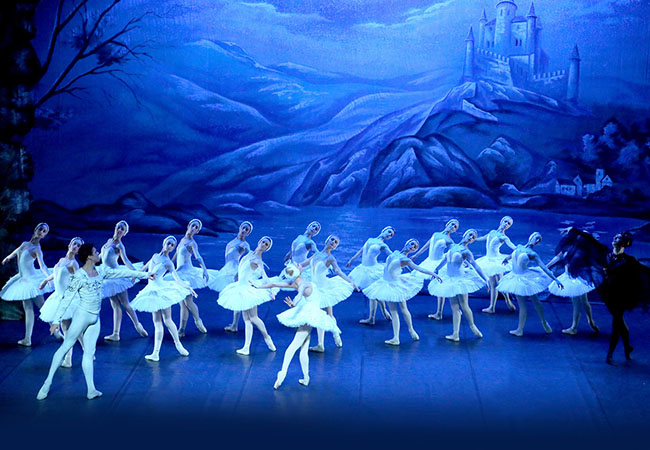 """Artists of great international prestige"" - El Mundo Madrid