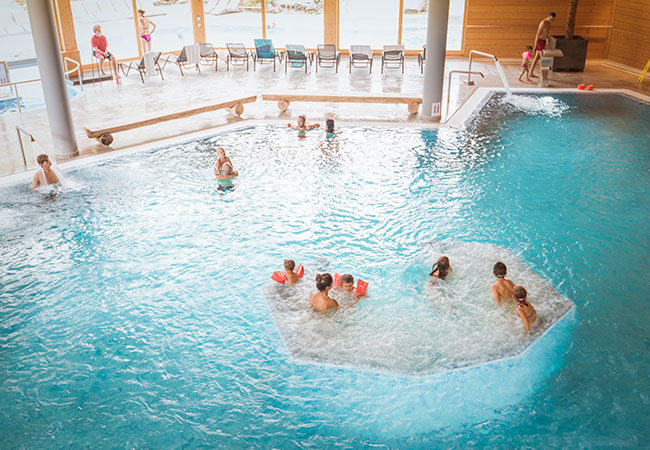 4 Stars on TripAdvisor, 34°C All Year