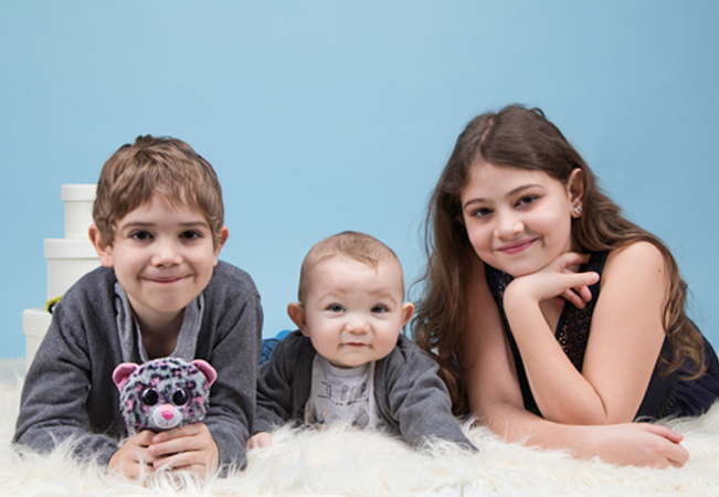 Recommended by 100% of BuyClubbers Who Tried It  Professional Photo Shoot (Family or Individual) at Studio Gianelli in Jonction   For 1-8 people For family, individual, kids / baby, maternity & more   Photo