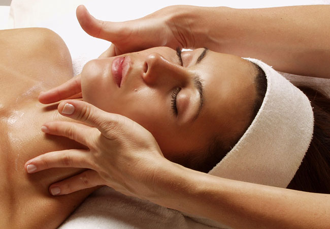 Facial / Massage at Jardin d'Essences Champel (1 voucher = any facial / massage up to CHF 120 value)