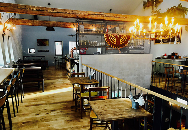 Recommended by 95% of BuyClubbers  Blackbird House Gastropub (Rolle) by Owners of Blackbird Diner: CHF 50 Food & Drinks Open Credit Valid 7/7, incl Sunday Brunch  Photo