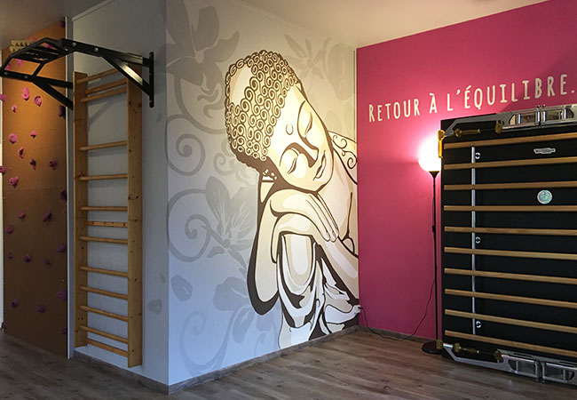 """""""Enhances energy flow & rejuvenates"""" - LIVESTRONG  1h or 1h30 Thai-Yoga Massage at Terra Move (Grand-Lancy)  Thai-yoga massage blends classic Thai massage with gentle yoga stretching. Its many benefits incl improved circulation, increased flexibility & deep relaxation     Photo"""