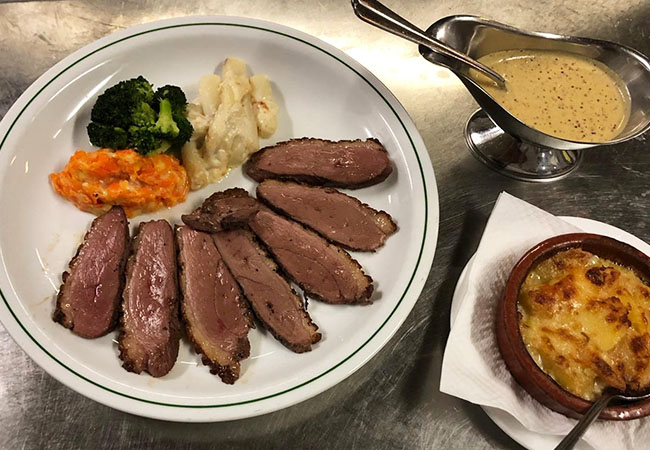 4.8 Stars on Facebook South-of-France Cuisine at L'Escalade: CHF 100 Credit  Tartares, Entrecote, slow-cooked duck stew, gambas, foie-gras & more French classics at this long-standing Geneva restaurant. Valid dinner Mon-Fri     Photo