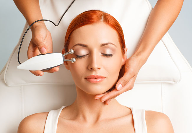 4.8 Stars on Google Facial (Classic Anti-Aging or Radiofrequency) or Massage at MySkin Institute (Geneva Center)  By Loubna Morsy: skin aesthetician with 18+ years experience. My Skin is one of Geneva's only institutes that's open all Sundays  Photo