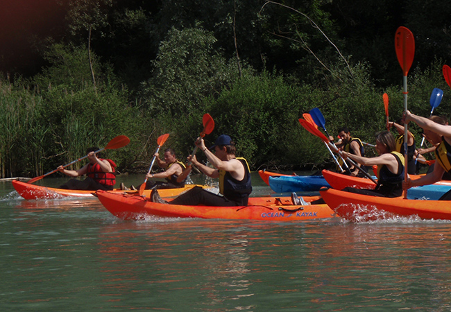 Kayaking on Lake Léman with Rafting-Loisirs (1 voucher = access for 1 person)
