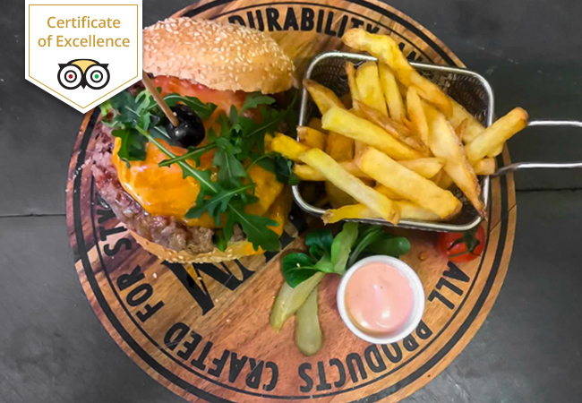 TripAdvisor Certificate of Excellence Homemade Burgers & Drinks at Le Chausse-Coqs (Plainpalais)  1 voucher = 2 burgers + 2 drinks. Valid 7/7 dinner & lunch  Photo