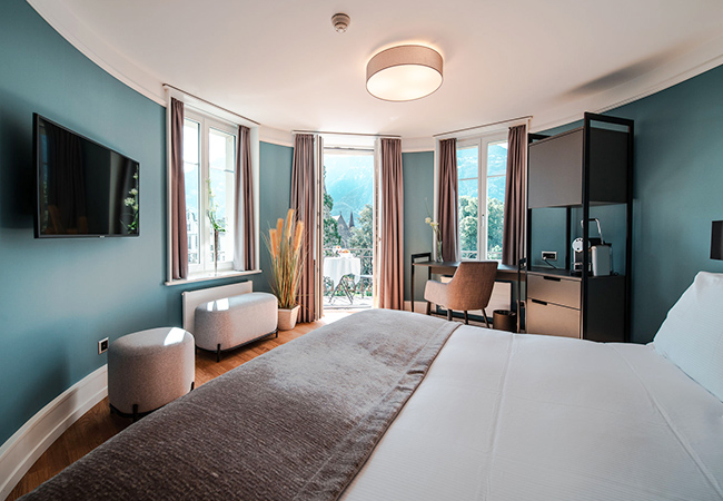 Tripadvisor Cert of Excellence  Interlaken Getaway at the 4*-Superior Royal St Georges Boutique Hotel: 1 Night for 2 PeopleWith breathtaking lakes & majestic mountains, Interlaken might be Switzerland's most beautiful region. And today's hotel is right in the middle of it  Photo
