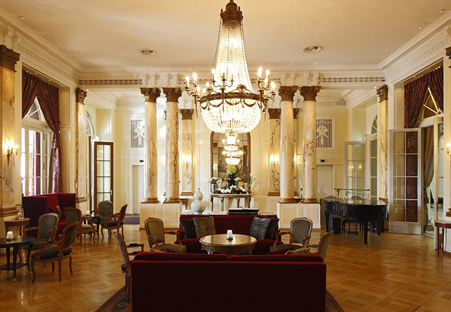 Winner of Tripadvisor Highest Award: Travellers' Choice 2020 Bern Getaway at the 5* Bellevue Palace Hotel Ultimate luxury in the capital's center, at the hotel selected by the Swiss Confederation to host the VIP guests of the state. 1 Voucher = 1 night for 2 people  Photo